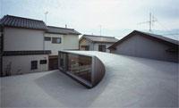 Дом с Деревянным Интерьером в Токио